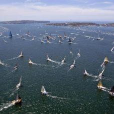 Алые паруса: На волнах морей и океанов