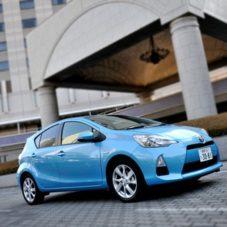 Toyota Aqua — для бро, которые любят много ездить и не хотят разориться на бензине