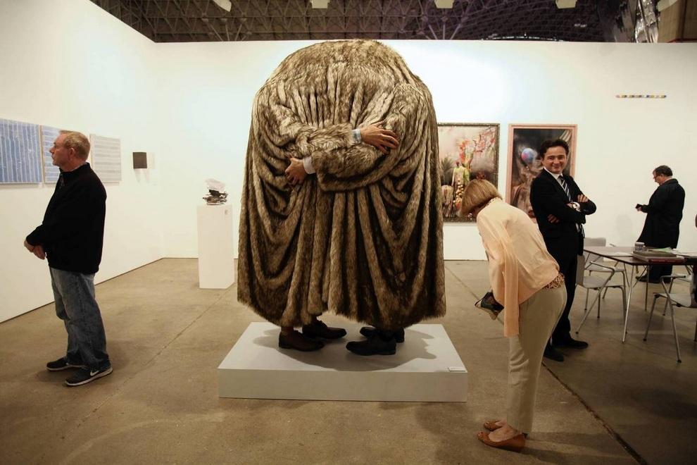Выставка парижской галереи Galerie Gabrielle Maubrie в Чикаго, штат Иллинойс, США.
