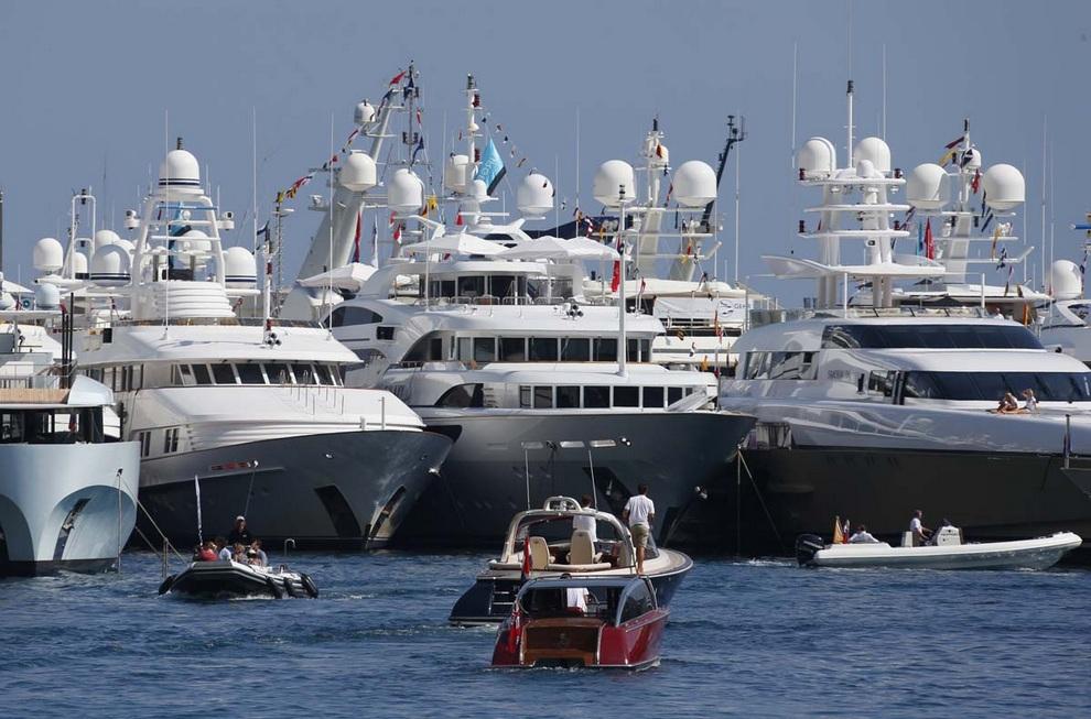Открытие 22-го Международного яхт-шоу в Монако — самого престижного и значимого события в сфере. Сотни лучших яхт мира пробудут здесь до 22 сентября.