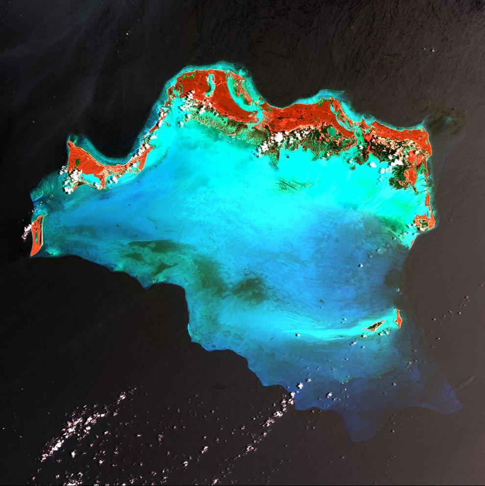 Острова Тёркс и Кайкос, северная часть Карибского бассейна.