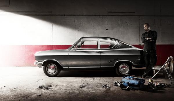 Opel Kadett спроизводился между августом 1965 и июлем 1973 в целом выпустив 2 649 501 экземпляров, из них 429.949 купе. В то время как базовая версия кадета располагала только 45 л.с. мотора, более сильное моторизированное исполнение предлагалось для по-спортивному ориентированной клиентуры при помощи 1,1S мотора и 60 л.с. Kadett считается одной из самых успешных моделей Opel.