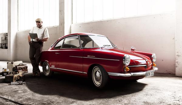 """20831 автомобилей спортивной модели NSU Prinz были построены в период с 1958 по 1967 г. """"Schwänchen"""" - это купе с 2 1/2 местами. Сзади только тонкий мягкий борт, так называемое запасное сиденье."""