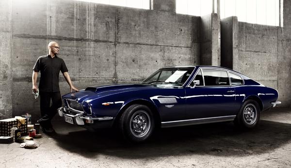 Aston Martin V8 Series 3 была в его время одним из самых быстрых и самых дорогих спортивных купе в мире, с ограниченным выпуском 2308 экземпляров. Предшественником Aston Martin V8 был Aston Martin DBS. В августе 1973 года была представлена Series 3. Автомобиль получил новый корпус из сплава алюминия.