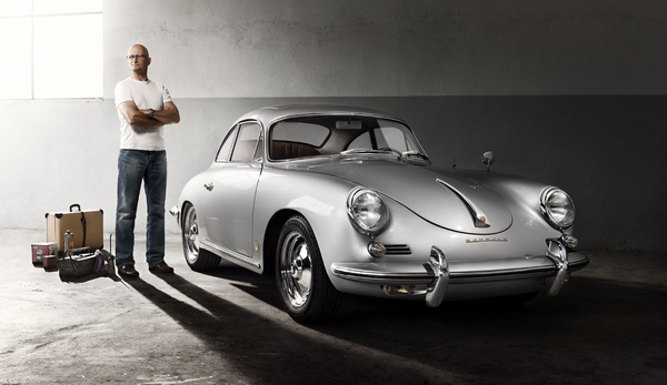 Porsche 356 был первой серийной моделью Porsche, и производился с 1959 по 1963. Машина получала наименование типа 356, так как это был текущий номер Porschekonstruktionen с основания в 1931 году. Количество экземпляров за весь период производства составило 30963.