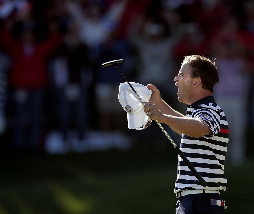Эмоции Зака Джонсона (Zach Johnson) из США, 30 сентября 2012 года. Кубок Райдера, Медина, штат Иллинойс, США.
