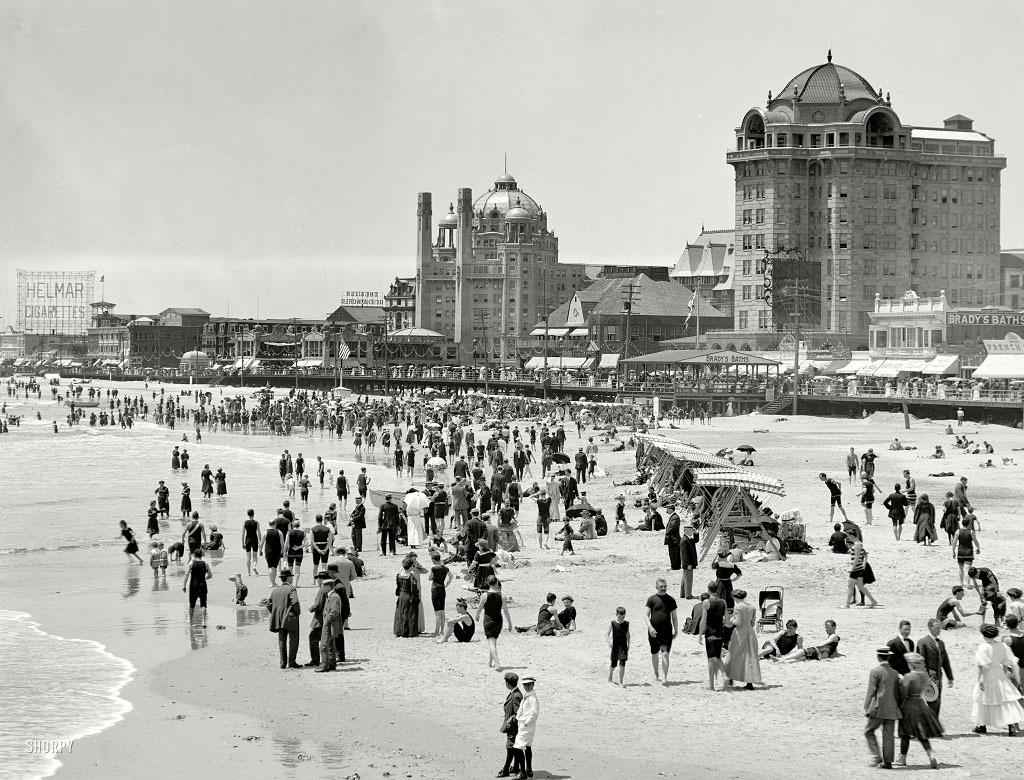 Пляж в Атлантик-Сити, 1915 год.