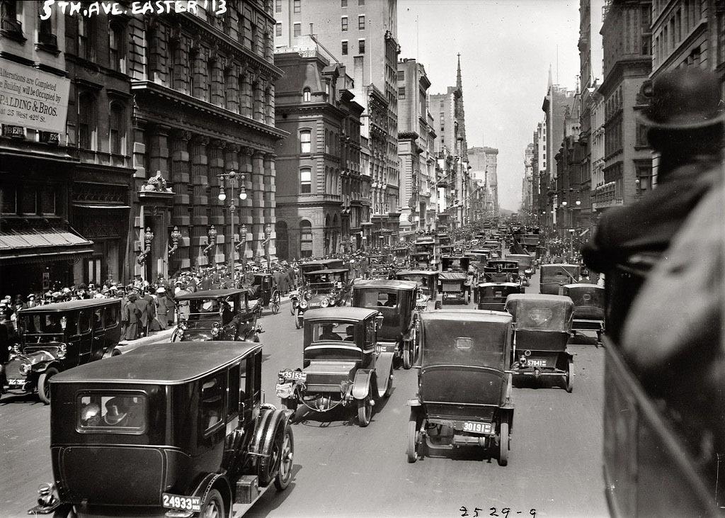 Северная часть Пятой авеню, Нью-Йорк, 1913 год.