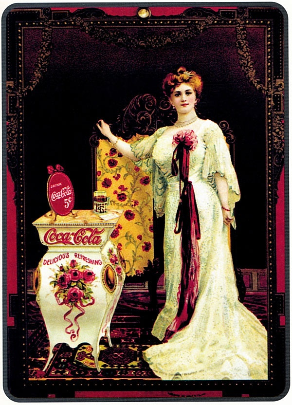 """1895 год. Актриса Хильда Кларк рекламирует """"Кока-колу за 5 центов"""".  Это первый рекламный плакат компании. До 1894 года Coca-Cola продавалась только в розлив пока владелец магазина Джозеф Биденхарн (Joseph A. Biedenharn) не установил в своей лавке оборудование по розливу Coca-Cola в бутылки."""
