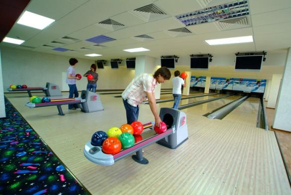 bowling2106717172