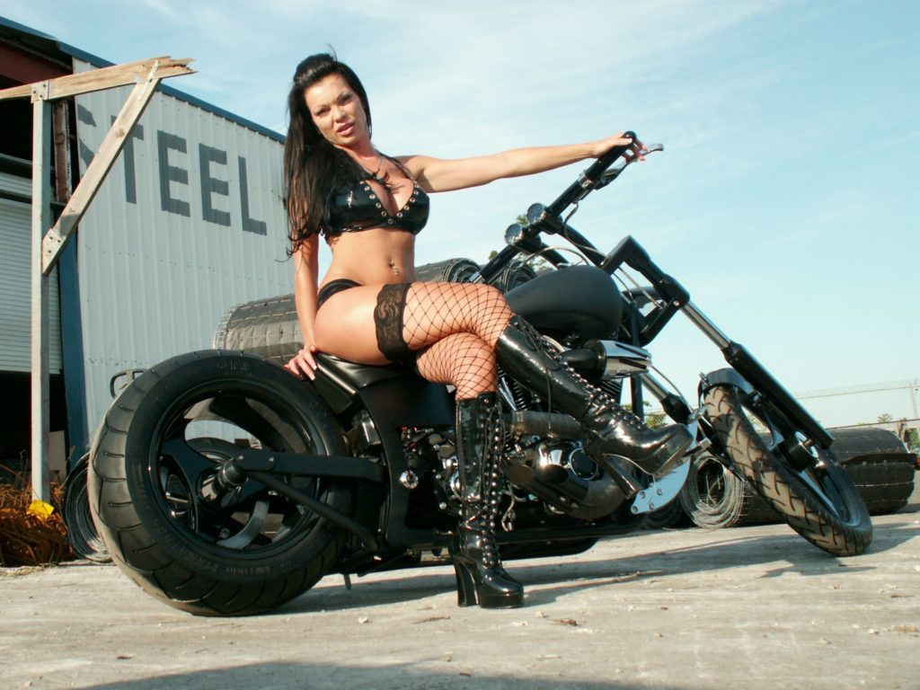 adult-motorcycle-nude-woman-penies-naked