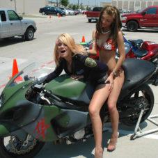 Девушки любят мотоциклы