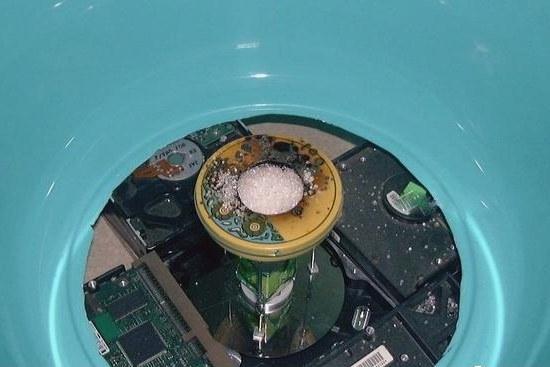 Как сделать из старого жесткого диска аппарат для приготовления сладкой ваты? BroDude.ru candy floos0973510637