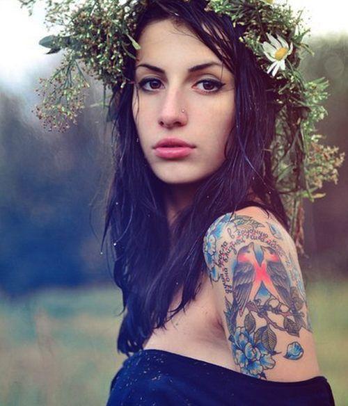 Красивые девушки с красивыми тату BroDude.ru devushki s tatu 0258352761