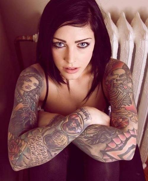 Красивые девушки с красивыми тату BroDude.ru devushki s tatu 0431229821