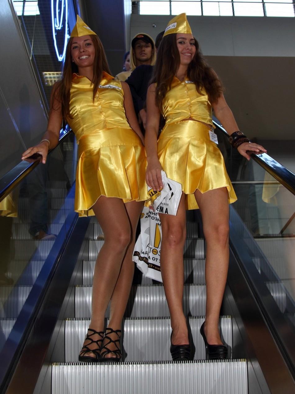Стройные девушки в мини BroDude.ru stroinie devushki 0183702624 950x1267