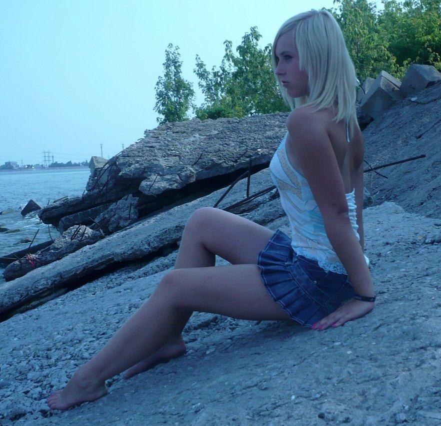 Стройные девушки в мини BroDude.ru stroinie devushki 0944335333