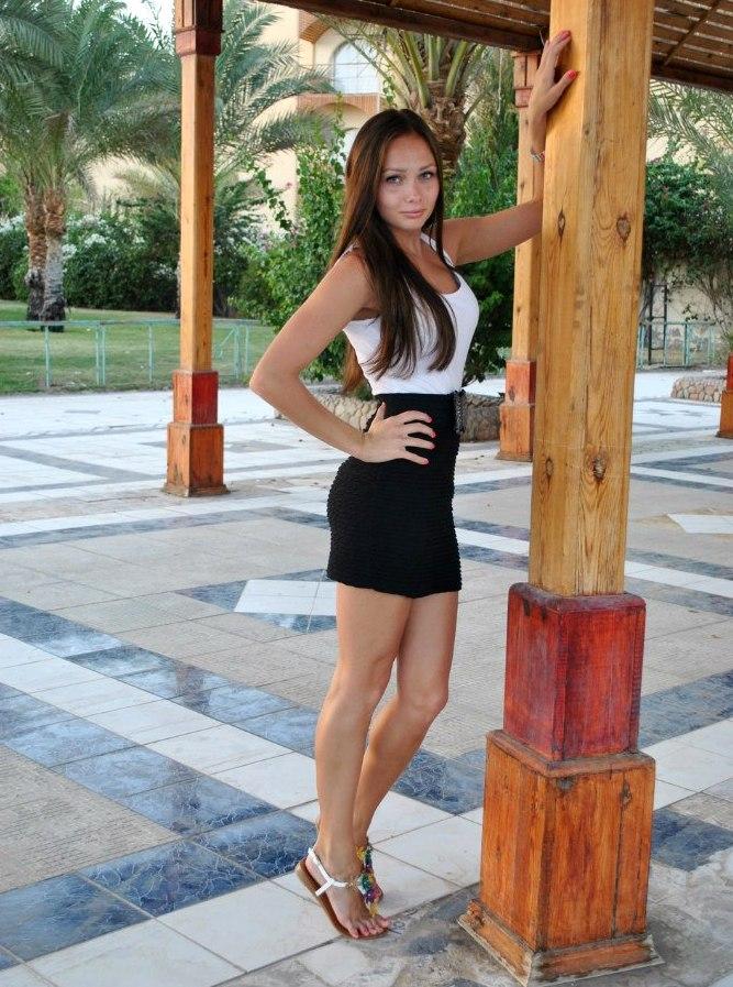 Стройные девушки в мини BroDude.ru stroinie devushki 1095192038