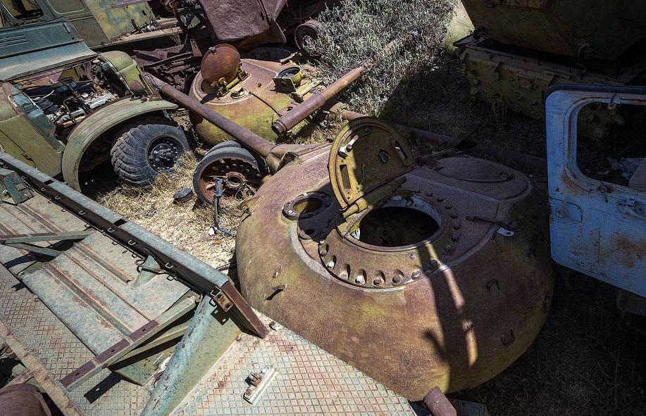 Памятник свалка в Эритрее BroDude.ru voennaya tehnika 0616686748