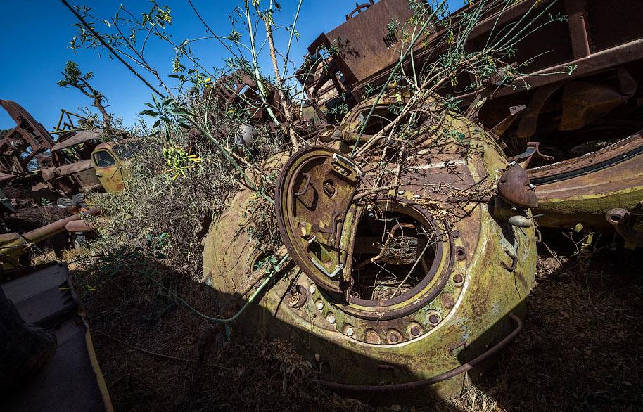 Памятник свалка в Эритрее BroDude.ru voennaya tehnika 0982395150