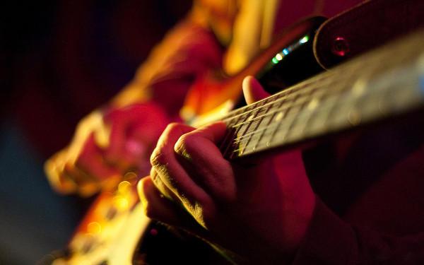 Несколько советов как научиться играть на гитаре самостоятельно BroDude.ru igra na gitare
