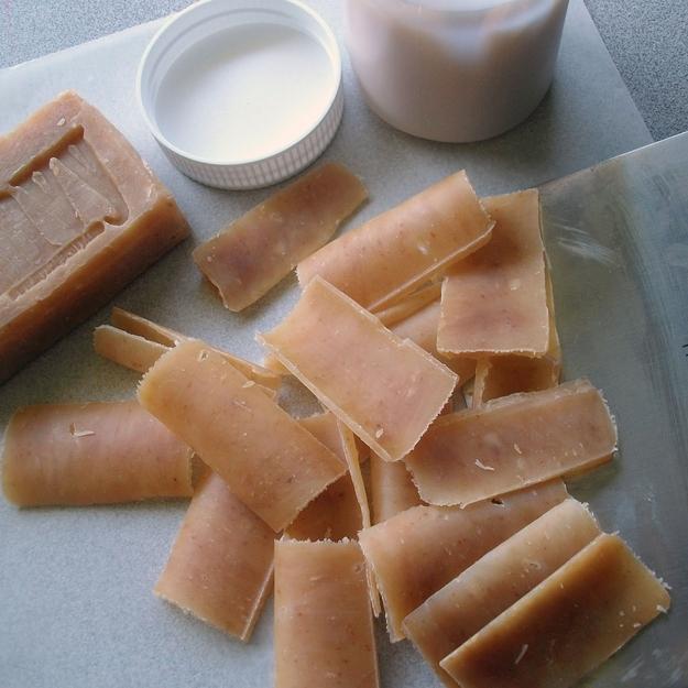 Сделай одноразовые листья мыла с помощью овощного ножа