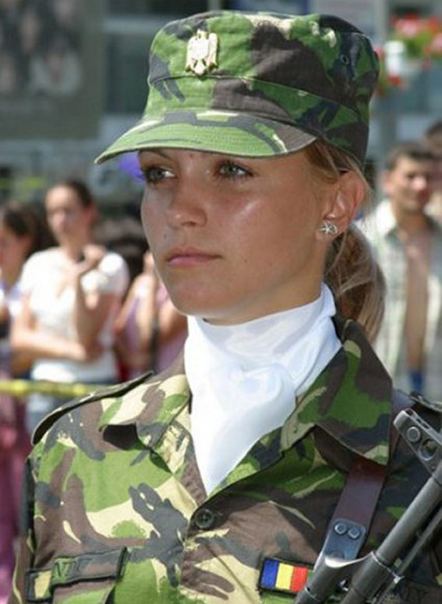 women in army0942893284
