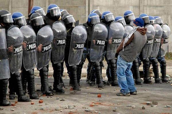 Полицейские будни BroDude.ru brodude.ru, 2.08.2013, LFSe2LP1YrDyVaQnzUgdWAKPAA6qsFE3
