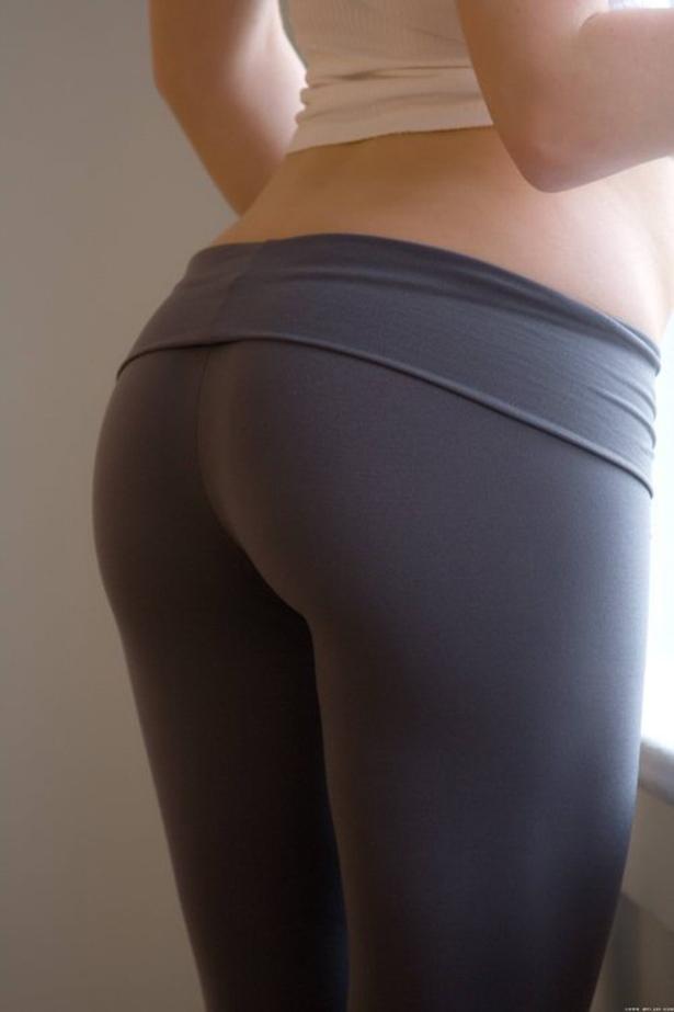 Сексуальные попки в шортиках лосинах