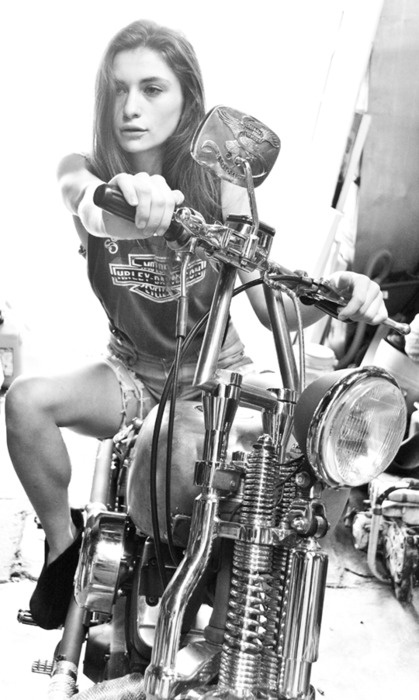 Девушки на мотоциклах BroDude.ru brodude.ru 1.11.2013 RhmvcnUINwXCM