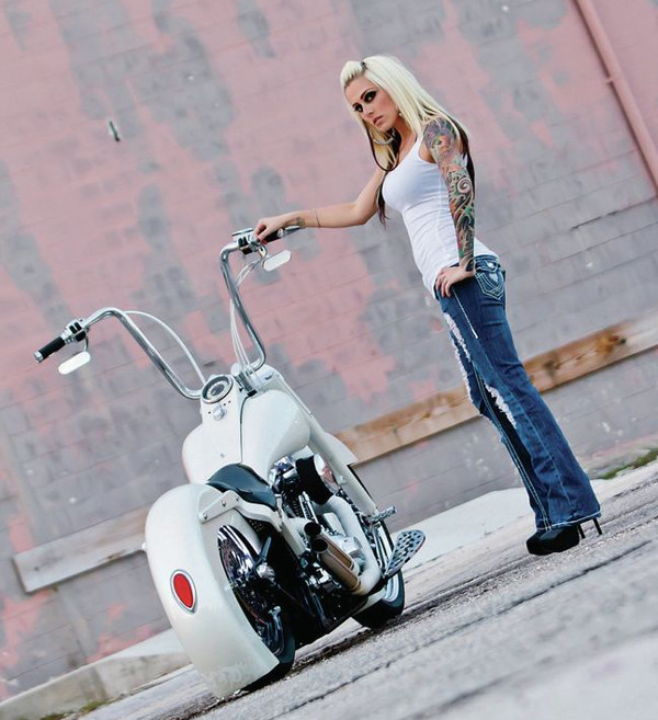 Девушки на мотоциклах BroDude.ru brodude.ru 1.11.2013 iXZdPc8Ixydfy