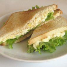 Идеальный мужской завтрак #3: Сэндвич с яичным салатом