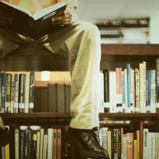 Еще не забытое старое: в защиту бумажных книг