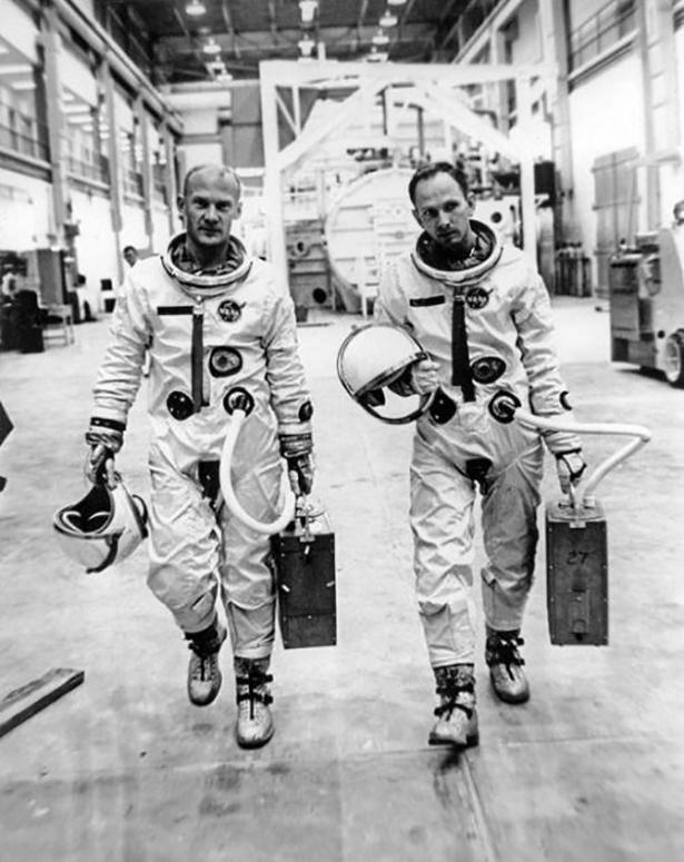 Старые фото NASA BroDude.ru brodude.ru 30.12.2013 8S6wBcclQwleL