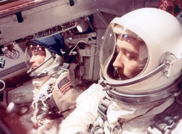 Старые фото NASA BroDude.ru brodude.ru 30.12.2013 ZNqnEvgk2S4DQ
