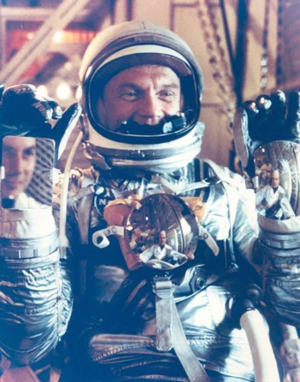 Старые фото NASA BroDude.ru brodude.ru 30.12.2013 gWzUun0LLs9Lh