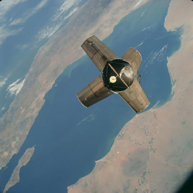 Старые фото NASA BroDude.ru brodude.ru 30.12.2013 sD2YGl9hffn5x