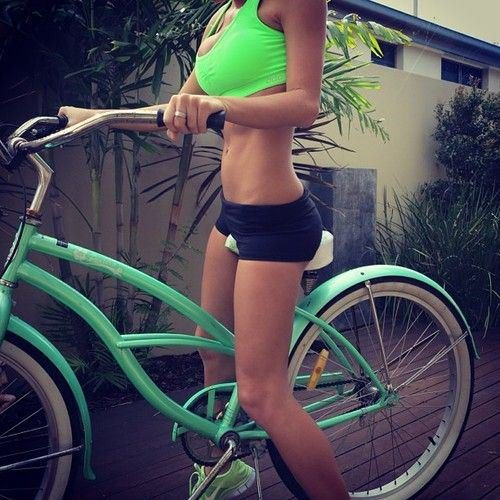 Велосипедистки рулят! BroDude.ru brodude.ru 27.02.2014 L5QFztYU2NQav
