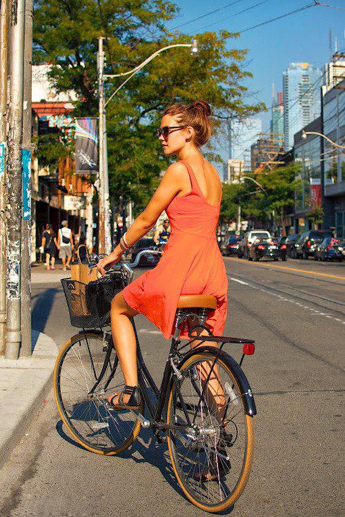 Велосипедистки рулят! BroDude.ru brodude.ru 27.02.2014 i7L70368Iv5hu