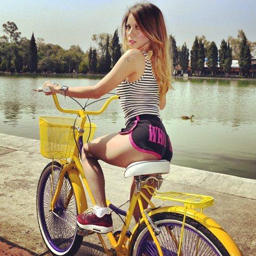 Велосипедистки рулят! BroDude.ru brodude.ru 27.02.2014 srv3Ntu4bxSxl