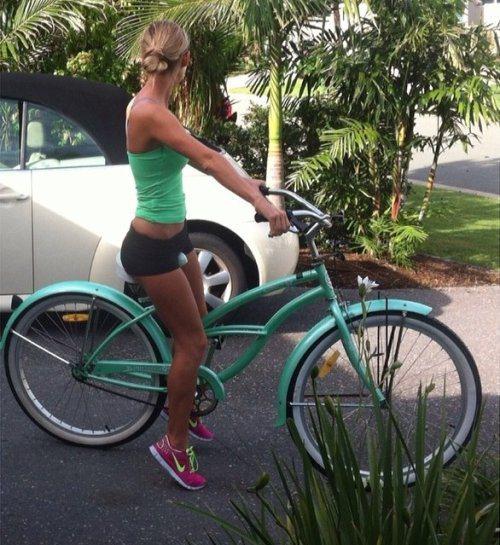 Велосипедистки рулят! BroDude.ru brodude.ru 27.02.2014 z0robcPhUgp5t