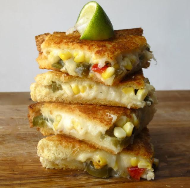 Идеальный мужской завтрак #20   Сэндвич со сладкой кукурузой BroDude.ru
