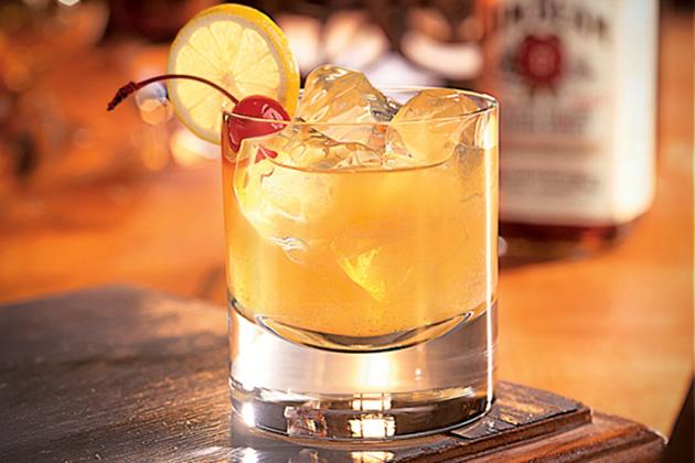 Коктейли на основе виски помогут пережить 8 Марта BroDude.ru brodude.ru 7.03.2014 MufbN07UxN2MM