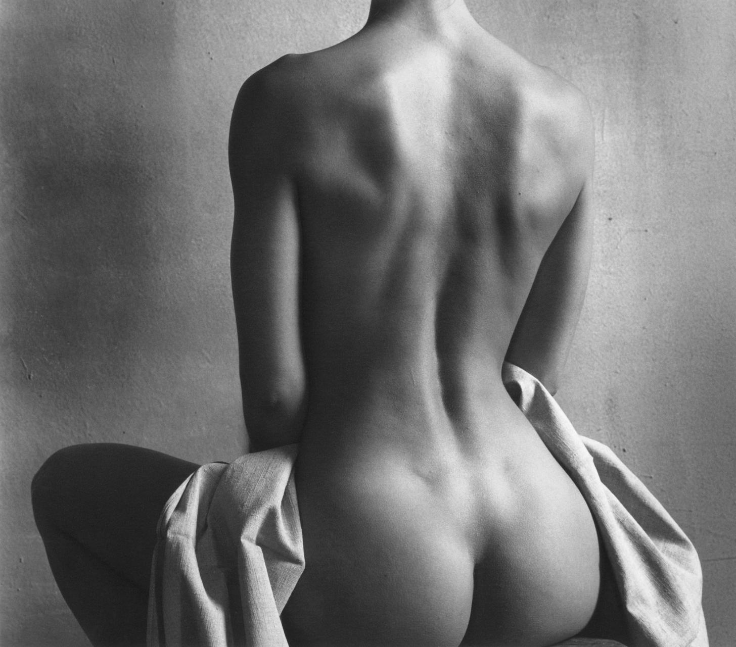 интим фото эротика девушки со спины трахает всех