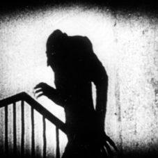 13 классических фильмов ужасов
