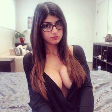 Воскресная порноактриса #92 – Миа Халифа