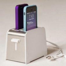 Foster: cамая кухонная зарядка для айфона