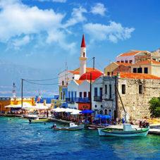 Путешествия: 5 городов, куда можно рвануть в любое время года