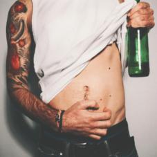 Из-за чего на самом деле появляется «пивной живот»