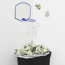 Как бездарно потратить деньги: советы от богачей